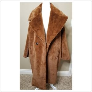 NEW | Oversized Faux Fur Coat